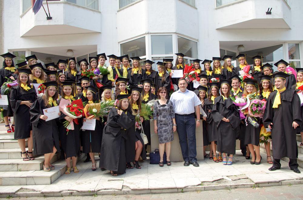 Absolventi-2012